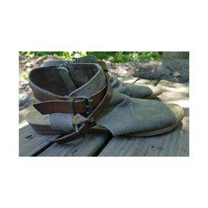 Blowfish Mailbu Canvas Rancher Zipper Sandal 9.5